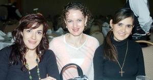 Lorena González, Rocío Rodríguez de Dugay y Vivi De Barrera.