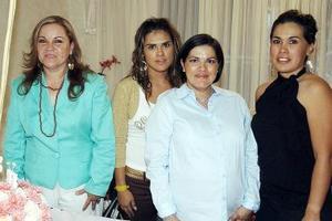 Por el cercano nacimiento de su segunda bebé, Susana Ortiz de Bollinger disfrutó de una fiesta de canastilla que le ofrecieron Susana Villarreal de Ortiz, Selene Ortiz y Brenda Ortiz.