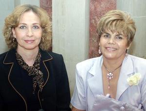 <b>12 de noviembre 2005</b><p> Rocío Arrañaga Ramírez y Vicky Torres.