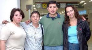 Óscar Carmona, Emma Padilla, Delia Olivares y Lorena Delgado viajaron al DF.