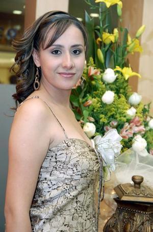 Dahlia Moado Campos en la despedida de soltera que le ofrecieron sus familiares por su próximo matrimonio con el Sr. José Antonio Benítez Castañeda.