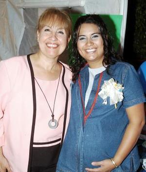 Mireya Reyna de Ríos le organizó una fiesta de canastilla a su hija Mireya Ríos
