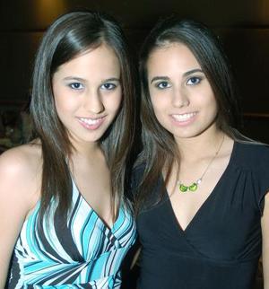 <b>13  noviembre 2005</b><p> Mónica y Maribel Ochoa Mijares..