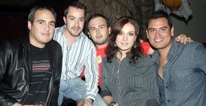 Arturo Benítez, Lalo Castañeda, José Sada, Maribel Fernández y Luis Enrique Aguilar.