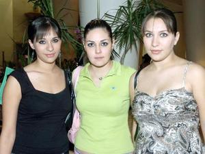 <b>14  noviembre 2005</b><p> Susana Villanueva, Denis Pacheco y Karla Sepúlveda.