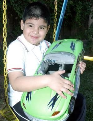 Irving Mauricio Castillo Villegas cumplió cinco años de vida por lo que fue festejado por sus papás, María de Jesús  Villegas de Castillo y Pedro Castillo González