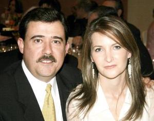 Alejandro Dávila y Elma Arizpe de Dávila..