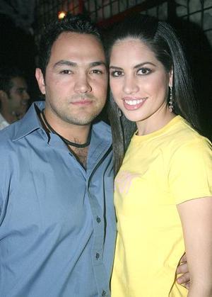 Alejandro Garza y Gaby Robles