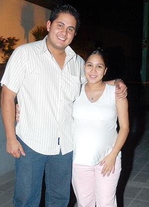 Antonio Soto y Lizeth de Soto..