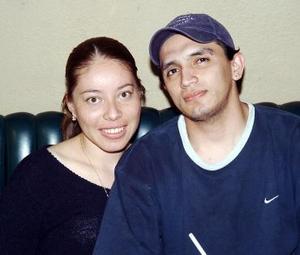 Brenda Guzmán Machado y Érick Rivadeneyra, en una reunión social.