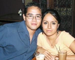 Enrique Hernández y Mayela Lozano