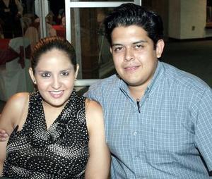 <b>13 de noviembre 2005</b><p> Vanessa Pérez Villezca y Marcos Oliva González, captados recientemente