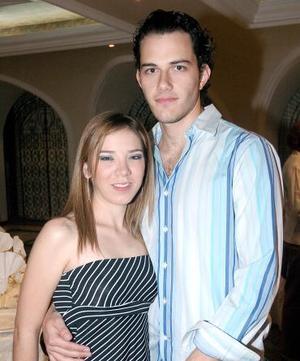 <b>14 de noviembre 2005</b><p> Jéssica Torres y Giorgio Aronis..