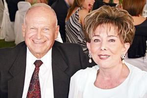 Arturo González Hernández y Dolores Palacios de González