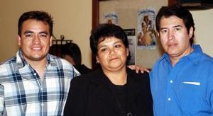 Eduardo Sánchez, Guadalupe Ayala y Jorge Quintana