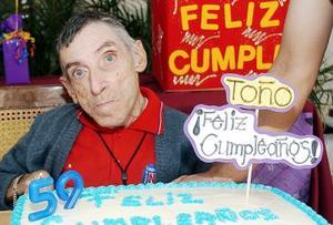 José Antonio Flores de la Fuente cumplió 59 años de edad