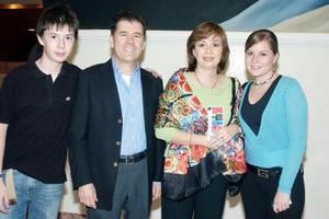 Juan Barrio, Laura de Barrio y sus hijos Any y Alejandro Barrio.