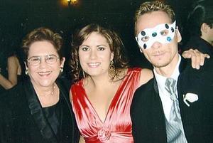 María Antonieta del Tejero, Karla Baeza de Casab y Ahmed Casab Casab.