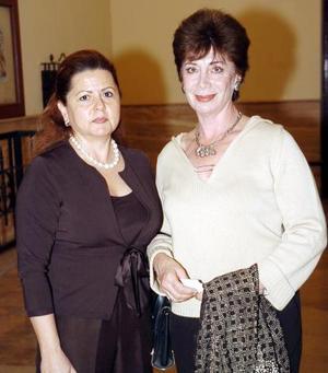 Rosario de Martínez y Leticia de Gómez