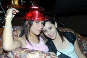 <b>15  noviembre 2005</b><p> Susana Alonso y Ana Reza.