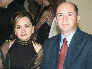 <b>15 de noviembre 2005</b><p> Paty Acosta y Jesús Acosta.