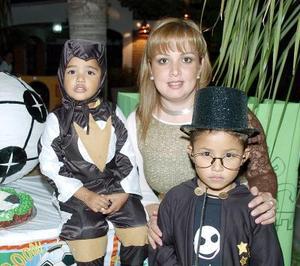 Jorge Huerta Tariana celebró su sexto cumpleaños  con una estupenda fiesta que le organizó su mamá Verónica Triana de Huerta y su hermanito Rodrigo.