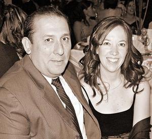 <b>16 de noviembre 2005</b><p>  Mario Lozoya y Esther de Lozoya.