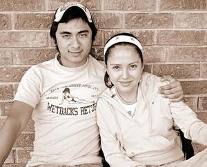 <b>16  noviembre 2005</b><p>  Raúl Villegas y Daniela Martínez.