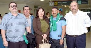 Arnulfo Álvarez, Araceli Llamas, Federico Flores, Ramón Flores y Álvaro Sánchez viajaron a Manzanillo.