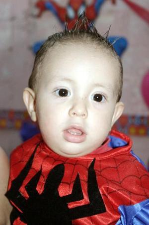 Luis Alejandro Morales González, captado el día de su piñata con motivo de su primer cumpleaños.