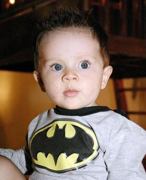 <b>17 de noviembre</b><p> El pequeño Juan Roberto Fernández Gallardo cumplió un año de vida, y lo celebró con una merienda hace unos días.