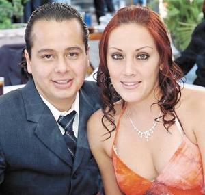 <b>17 de noviembre 2005</b><p> Ricardo Martínez y Janeth Robles