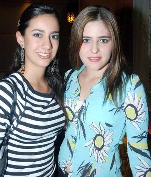Brenda Dávila y Julia Peña.