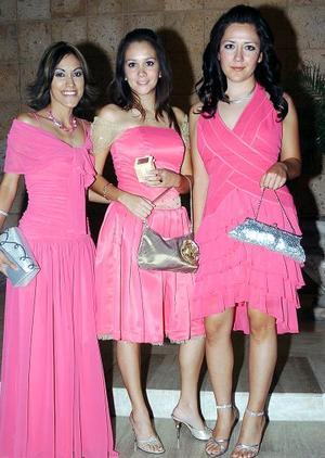 Karla vargas, Mónica Rodríguez y Rosa Gordillo.
