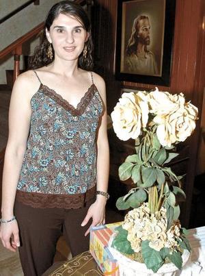 Beatriz González Cavazos, captada en una de sus últimas despedidas de soltera, ya que el próximo sábado contraerá nupcias con Javier Fernández Fernández.