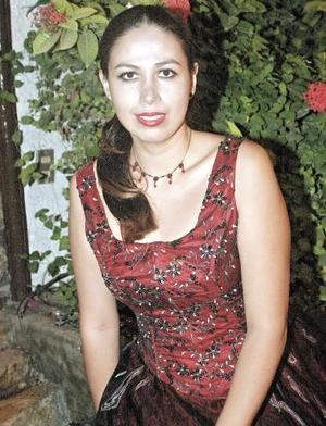 <b>17 de noviembre 2005</b><p> Por su cercana boda con Michael Dorazio, Vanessa Vargas Siller fue despedida de su vida de soltera.