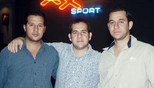 Hassan, Abraham y Carlos.