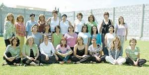Para disfrutar de una agradable convivencia, un grupo de ex-alumnas de conocido colegio de la localidad se reunieron recientemente.