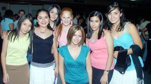 Claret Ramírez, Emily Kauffman, Diana Cruz, Beatriz Aguirre, Ana Cristina Alanís, Pamela Murra y Cristy Rosas.
