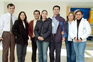 <b>19  de noviembre 2005</b><p> Irma Fernández y Alfredo Ibarra viajaron a Perú, los despidieron las familias Ibarra y Luna.