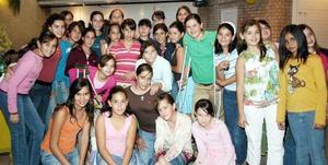 Con una divertida reunión, Patricia Berumen Rodríguez celebró su doceno cumpleaños acompañada por un grupo de amigos, quienes la felicitaron por tan grato acontecimiento.