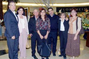 Leopoldo Sotoluján, Olivia Sotoluján, Alberto Martínez, Rosa María Tatay de Martínez, Javier del Río, Rocío de Del Río y Maria Luisa de Dabdoub.