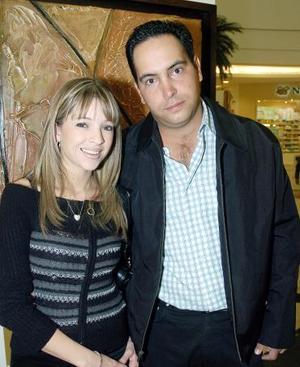 Mario y Lily Valdés.