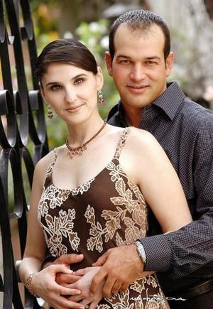 <b>19 de noviembre 2005</b><p>  Beatriz González y Javier Fernández.