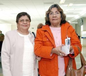 Virginia Díaz viajó a Tijuana, la despidió Rosa María Díaz.