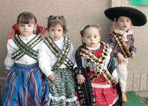 Sofía Graham, Fátima Gidi, Diego Andrés Arteaga y Grettel Barajas.