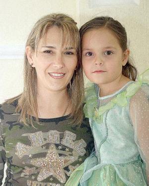 Martita Montemayor Sáenz celebró su sexto cumpleaños, con una entrenida fiesta que le ofreció su mamá, Martha Sáenz de Montemayor.