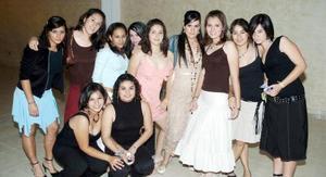 Acompañada de un grupo de amigas, Lulú Hernández Iduñate disfrutó de una espléndida fiesta.