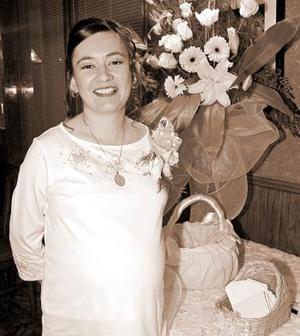 Karen Cossío de Mora espera el nacimiento de su bebpe.