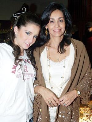 Carmen de Bujdud y Luzma Arriaga
